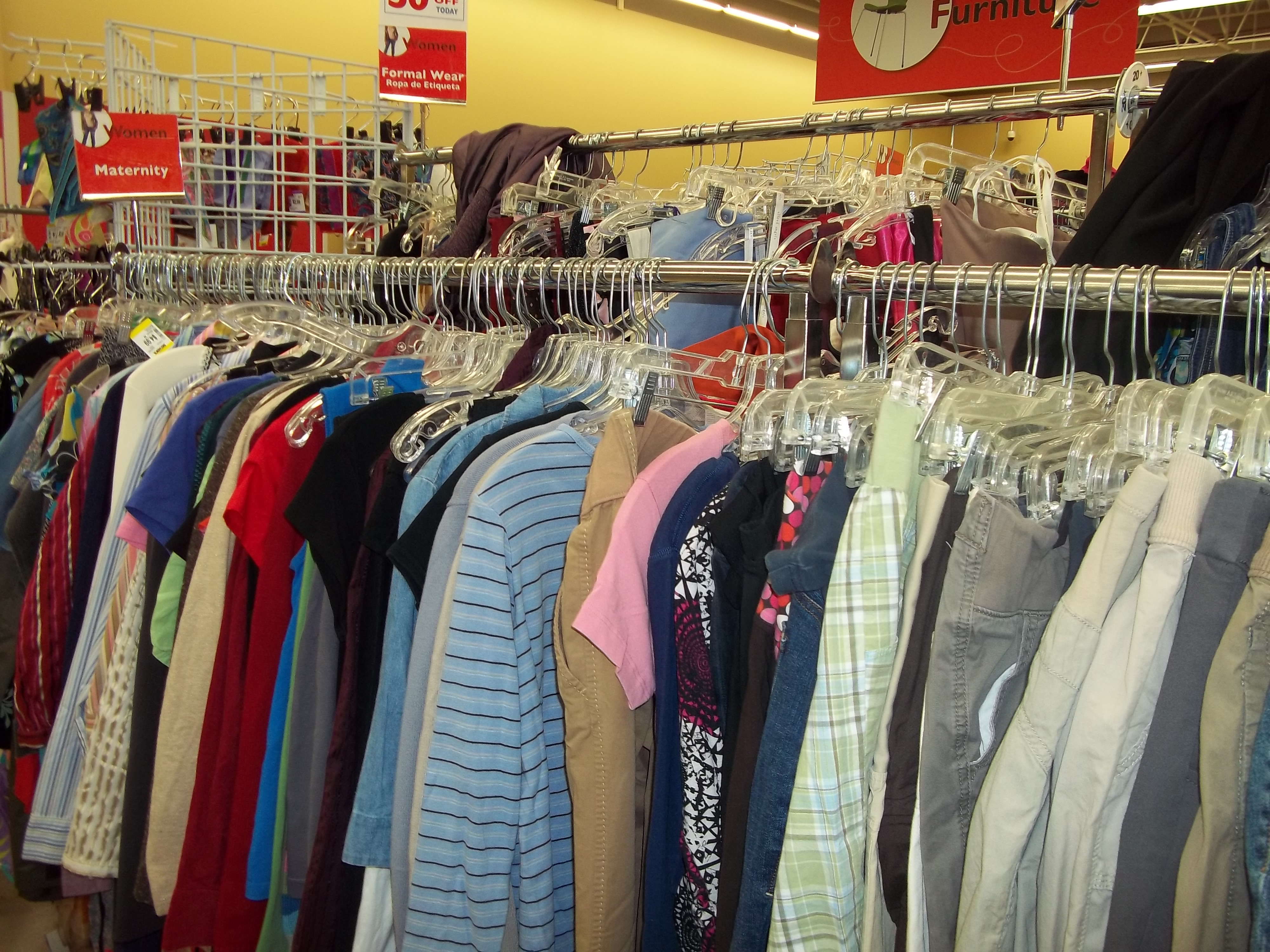 Stores with maternity clothes